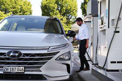 Schritt für Schritt zur Wasserstoff-Tankstelle