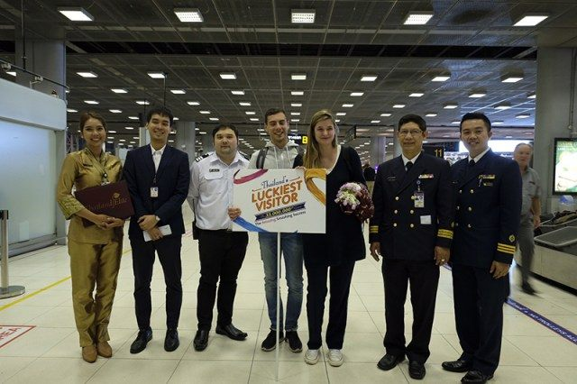 Ms. Ceyssens and her boyfriend were also welcomed by offcials from Airports of Thailand, led by Mrs. Anocha Plinsut, Vice President, Special Affairs and Community Relations Department