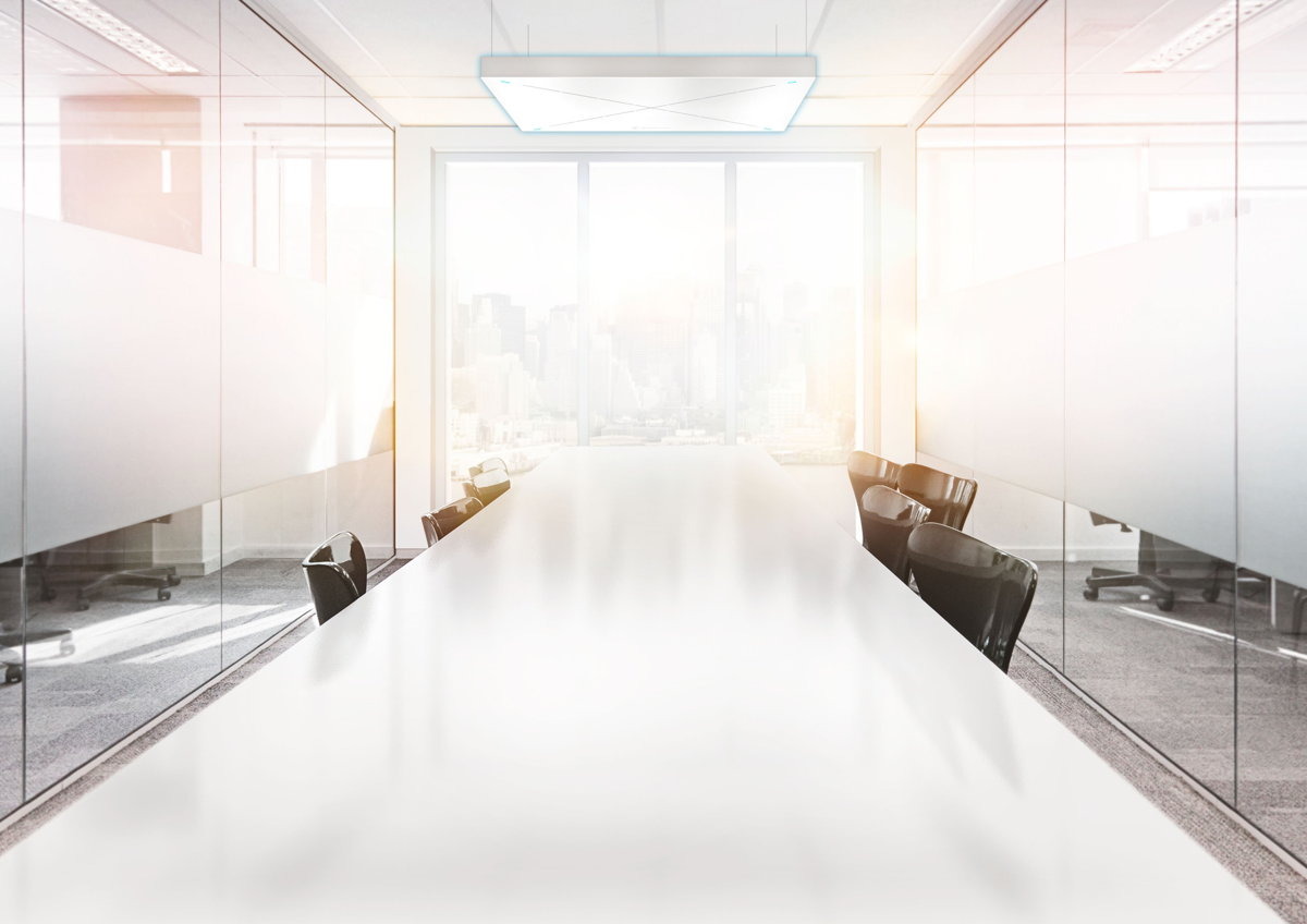 Ein professionell eingerichteter Besprechungsraum ist wichtig für authentische Meetings.