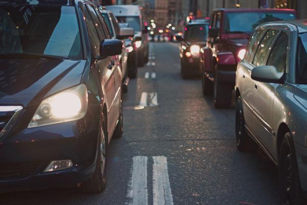 Preview: Les problèmes de mobilité à Bruxelles ne sont pas insolubles : une étude de la VUB et l'ULB montre que de nombreux bénéfices à court terme sont possibles