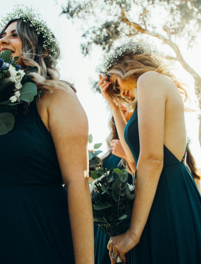 Cuatro looks de invitada que desearán hasta las novias