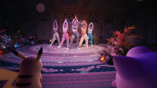 """Mabel partage sa nouvelle chanson et vidéo : """"Take It Home"""" en collaboration avec Pokémon"""