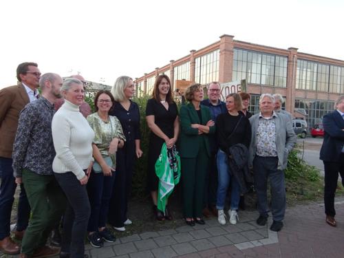 Gevelbordje huldigt voortaan Waarschootstof als winnaar Provinciale Erfgoedprijs 2020