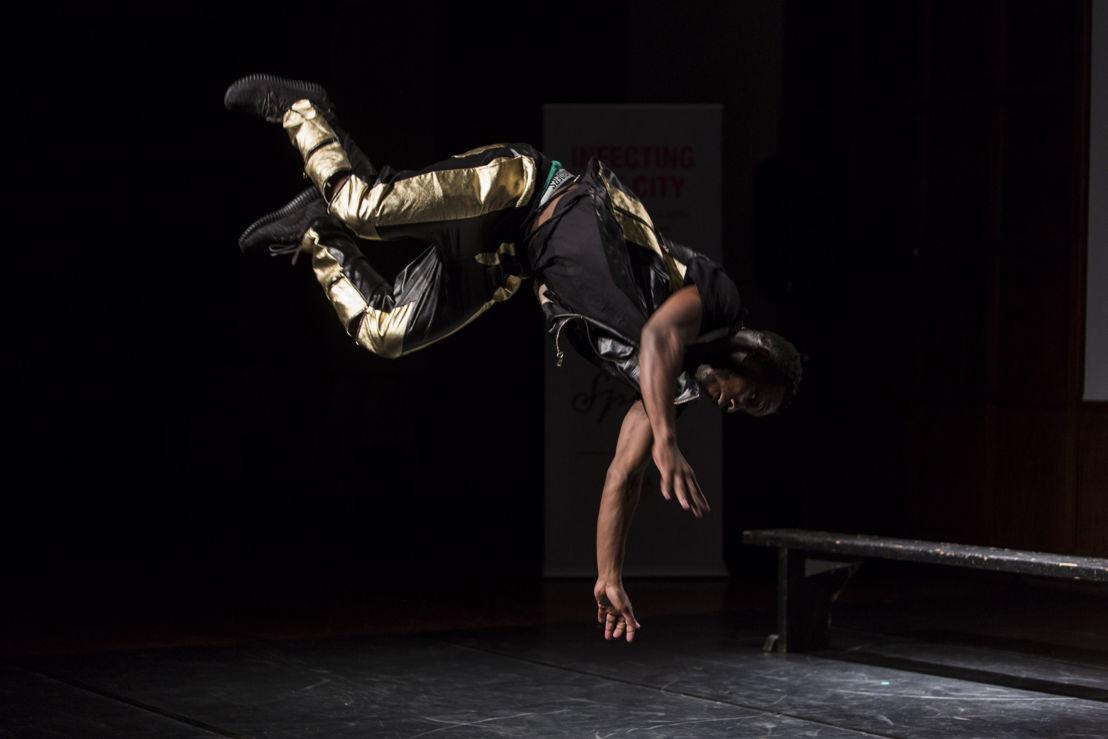 Jeannot Kumbonyeki - Le Kombi - 22/12 © Oscar OE Ryan | Africa Centre