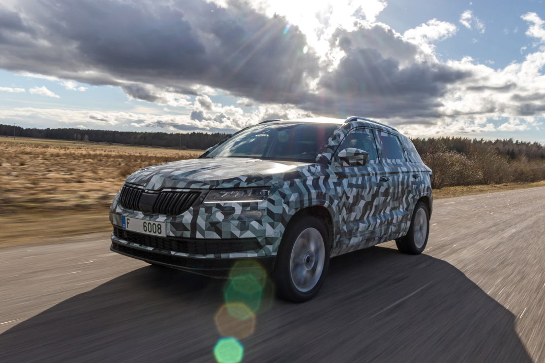 As a true ŠKODA, the ŠKODA KAROQ offers exceptional space in the interior and boot, new driver-assistance systems, Full-LED headlights and – for the first time in a ŠKODA – a digital instrument panel.