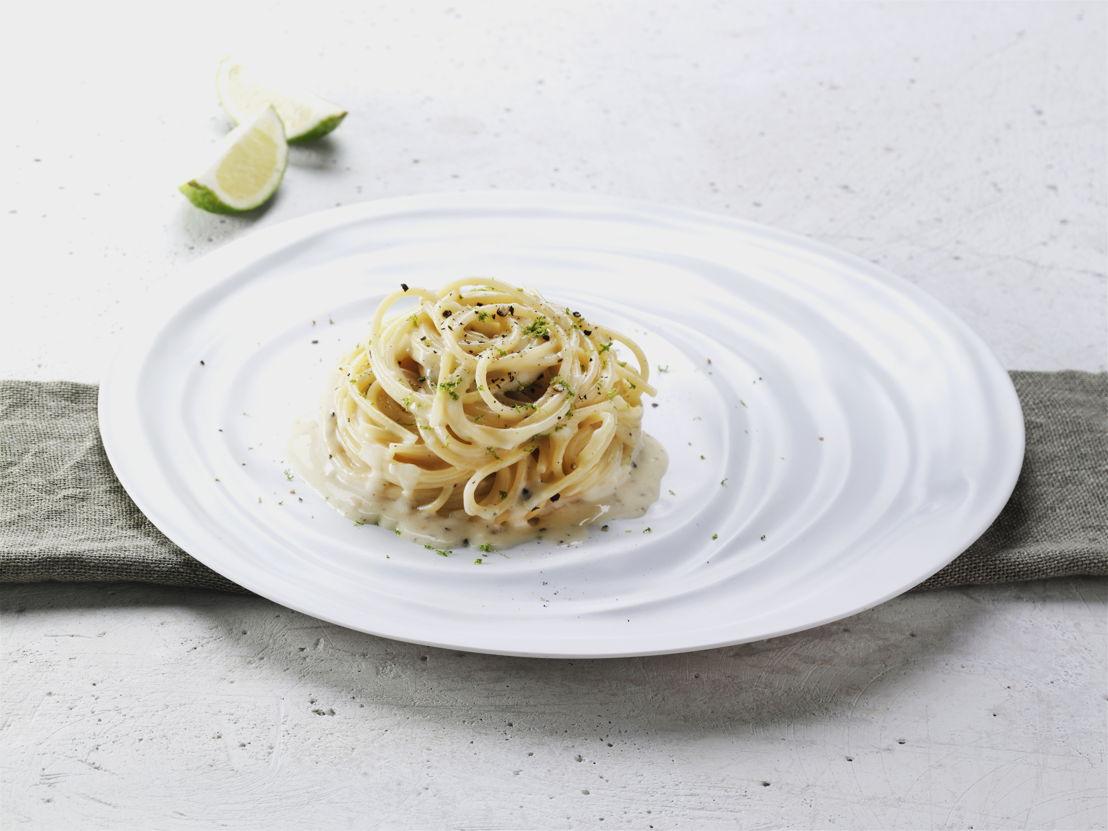 Cacio e pepe spaghetti.jpg