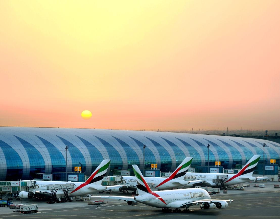 طيران الإمارات حققت أرباحاً قيمتها 2.8 مليار درهم (762 مليون دولار) عن السنة المالية 2017/ 2018، مع أداء قوي للشحن ساهم في رفع العائدات بنسبة 9% مقارنة بالسنة السابقة.