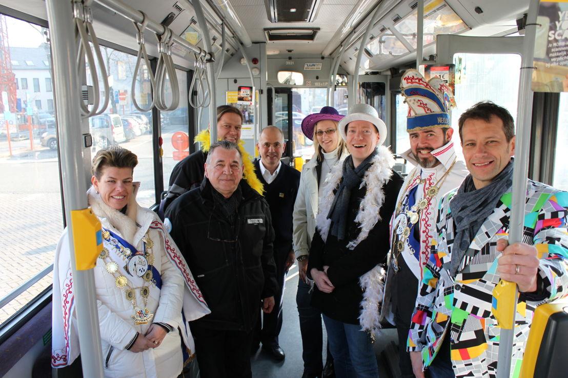 Carnavalsbussen editie 2018, met Prins en Prinses Carnaval