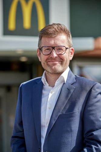 Suite au départ à la retraite de Stephan De Brouwer, Stijn Heytens devient le nouveau Managing Director de McDonald's Belgique