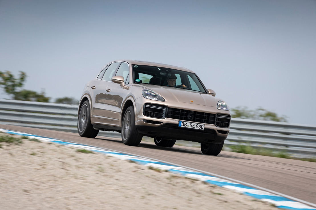 The Cayenne Turbo S E-Hybrid sets an unusual lap record