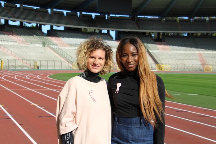Elodie Ouédraogo en Olivia Borlée ontwerpen het zesde Pink Ribbon-lintje