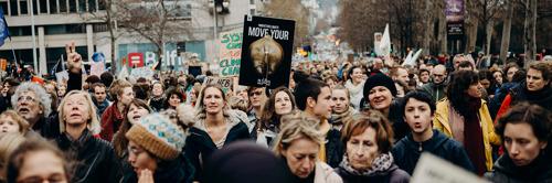 Les négociateurs pour la formation des gouvernements fédéral et flamand doivent mettre leurs différences de côté et faire du climat leur priorité