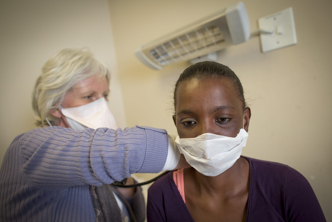 Sibongile Xesha - MSF Treatment For TB in South Africa. Photographer: Sydelle WIllow Smith