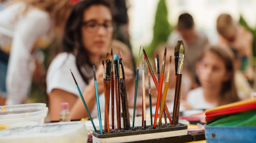 Des artistes dans la classe