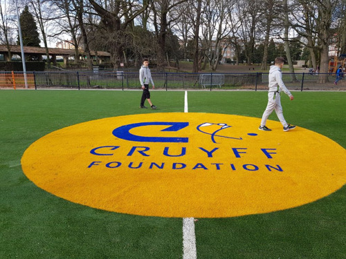 Cruyff Court Molenbeek sets the youth in motion