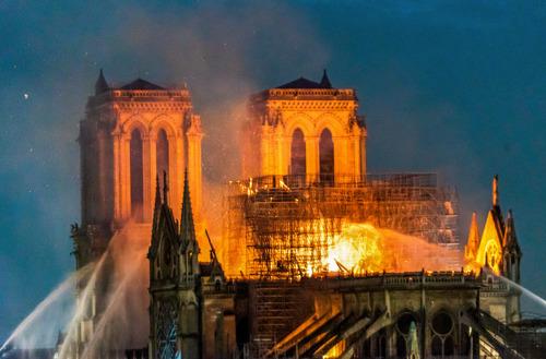 Paris brûle t-il ?