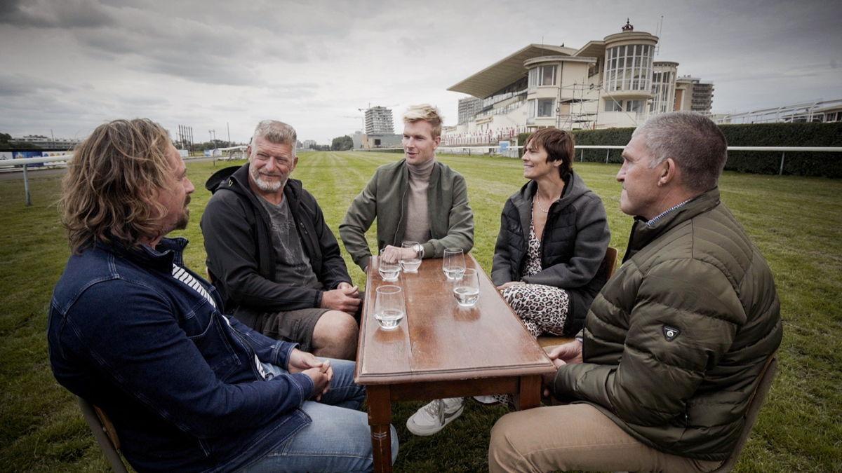 Fred Deburghgraeve, Harry Van Barneveld, Ruben Van Gucht, Ulla Werbrouck en Paul Vermeiren in de Wellington Renbaan