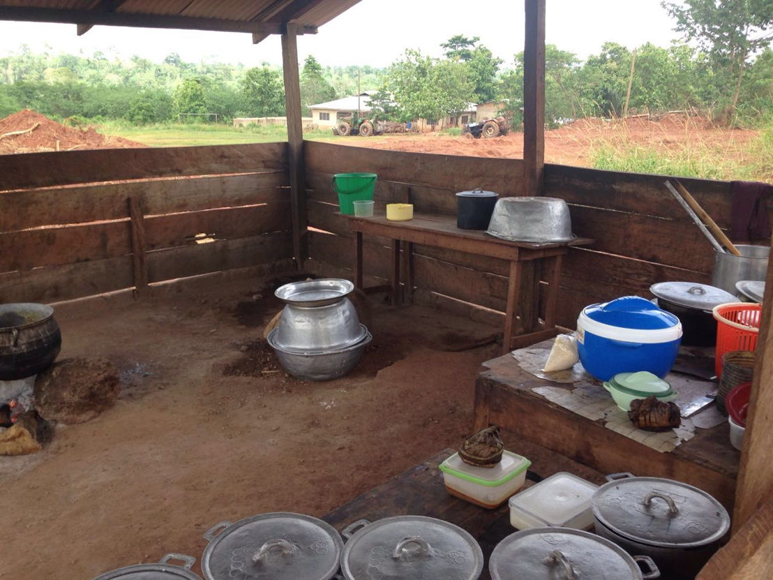 At Booma School in rural Ghana, food was being prepared in an outdoor dirt-floored kitchen. The unsanitary conditions were making children sick. Changing Lives Together raised funds to build a new kitchen for the school which is now providing meals for the students.