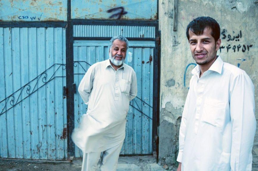 Nasir en zijn vader - (c) VRT