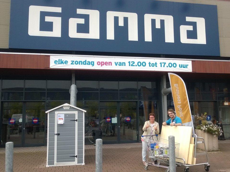 Gamma Poort van Veghel sponsort materiaal opknappen woonruimte De Watersteeg in 2015