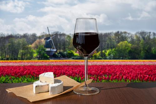 VUB onderzoekt drie eeuwen wijn in Nederland