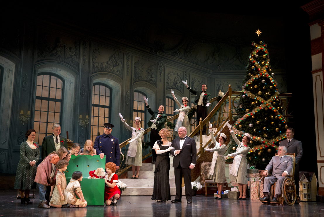 "The Company in ""A New Deal for Christmas""<br/>Photo: Joan Marcus"