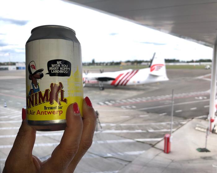 Preview: Vrijstaat Vanmol brouwde ambachtelijk bier in blik naar aanleiding van de eerste lijnvluchten van Air Antwerp