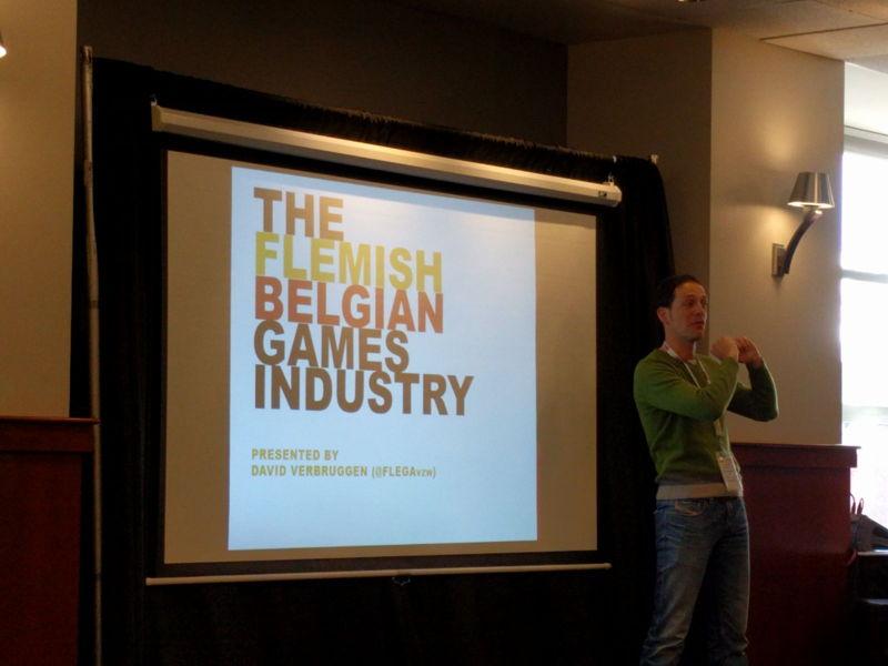 David (FLEGA) stelt de Vlaamse game industrie voor tijdens het GIS, het Gaming Industry Support.