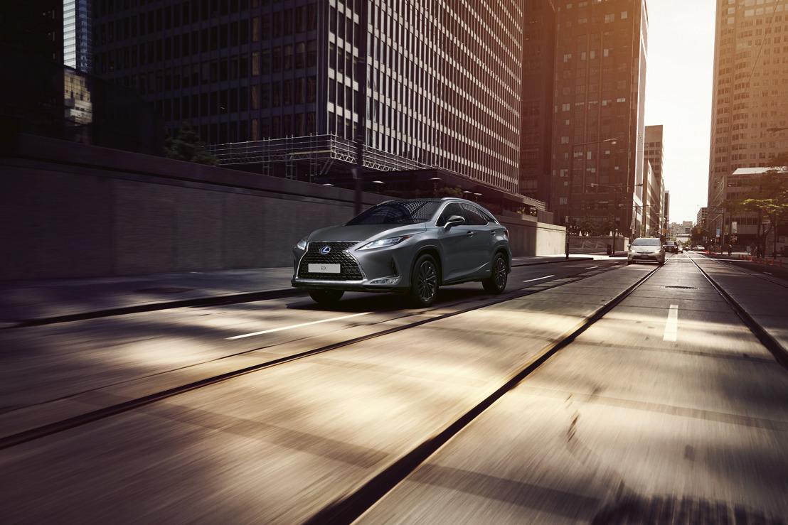 Met vernieuwde Black Line maakt Lexus RX een stijlvolle impact