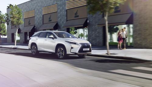 De nieuwe Lexus RX 450h met 7 zitplaatsen: luxueus en polyvalent