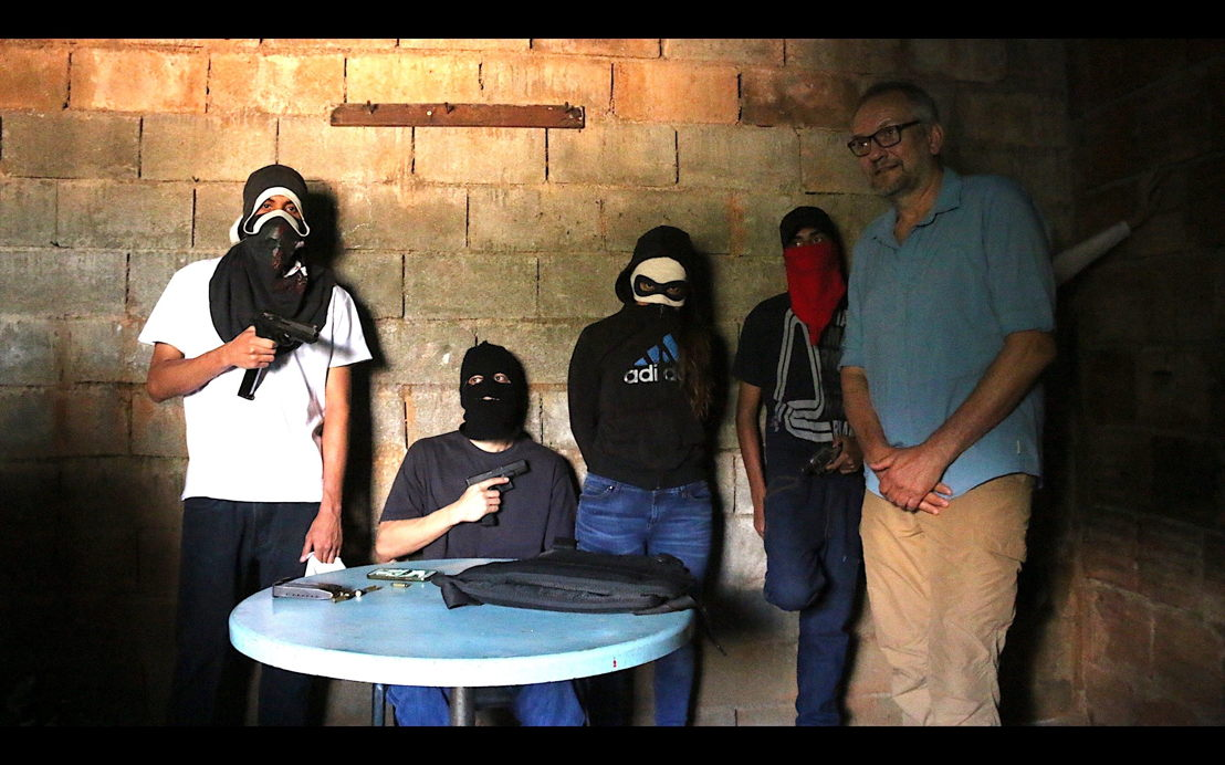 Eric Campbell meets Caracas gangsters