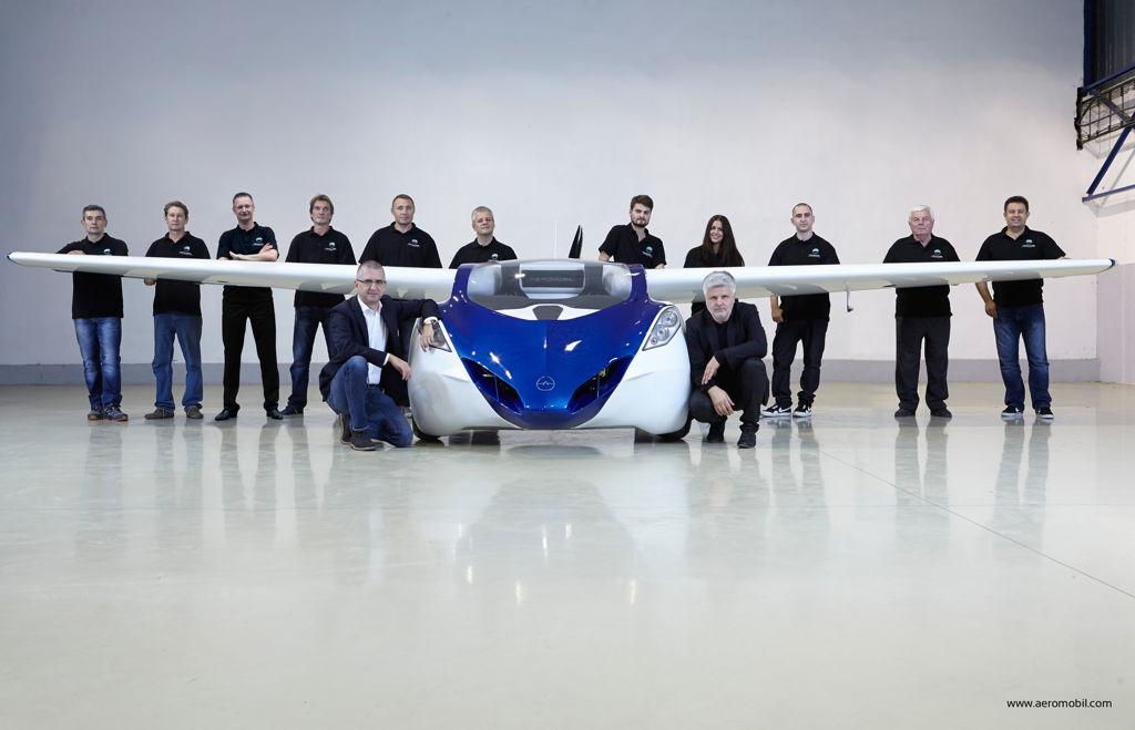 AeroMobil 3.0 prototype with the team
