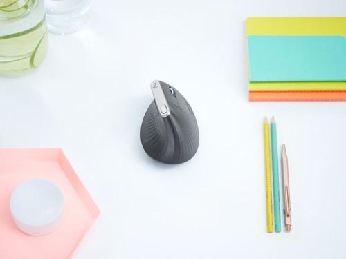 Dile no a las molestias en la mano con el nuevo mouse MX Vertical de Logitech