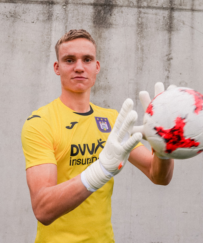 Bart Verbruggen joins from NAC Breda