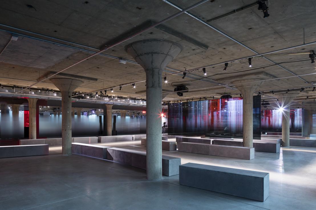 Show space Resort 2019 de Prada: Piano Factory, New York