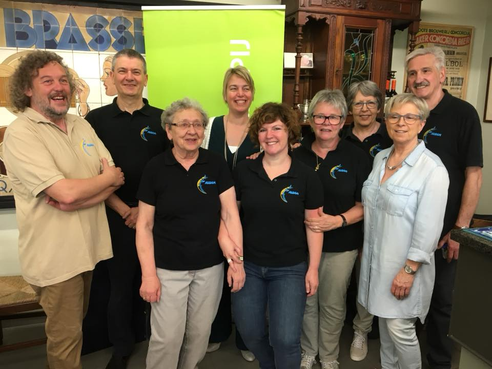 vrijwilligers museum 't Aloam in Viane