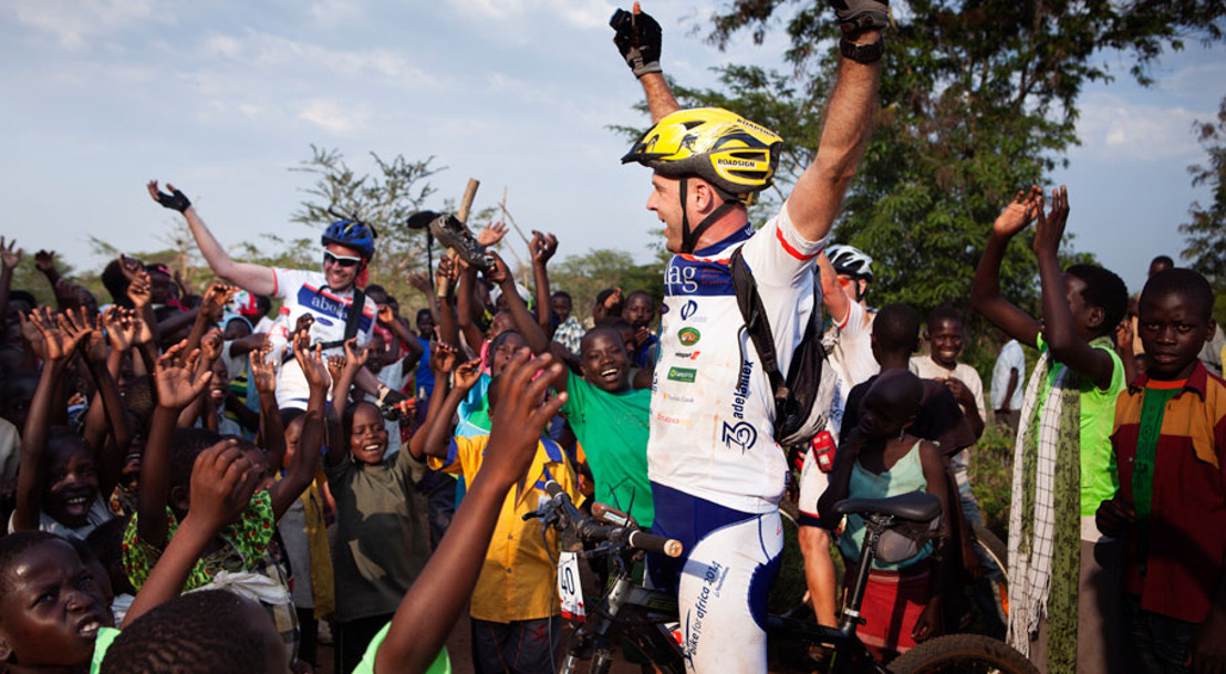 Brussels Airlines and Belgian CEO's cycle through Africa for charity