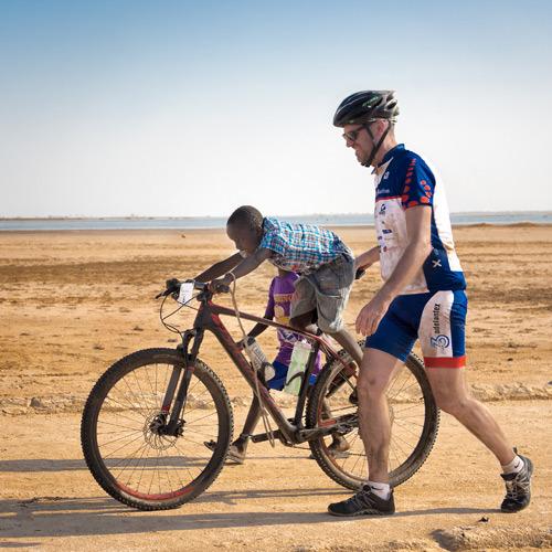 Brussels Airlines rassemble 150.000€ grâce à l'initiative Bike For Africa. [Photo report]
