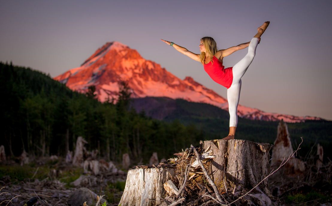 OUTFOUND - Yoga and Mount Hood