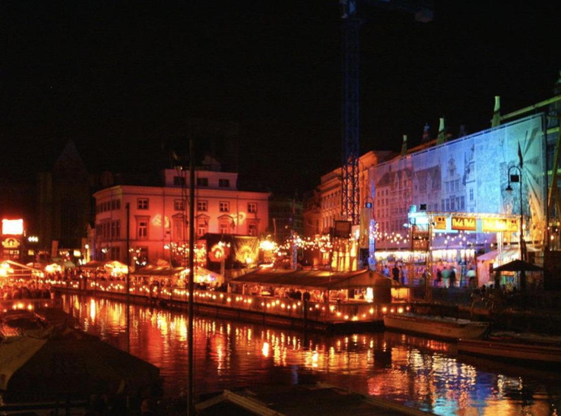 Gentkatert.be en DELIVEROO geven je een overzicht van alle restaurants en bars die open zijn na de Genste Feesten!