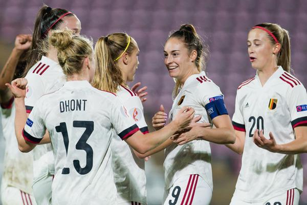 Preview: Koningin Voetbal boven: Play-familie krijgt vanaf dit najaar versterking van de Belgian Red Flames