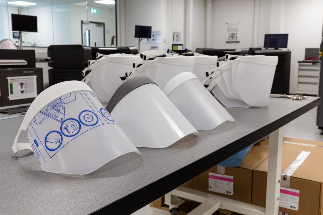 GE-3D-PRINTE BESCHERMVIZIEREN VOOR NHS-PERSONEEL IN CONTACT MET HET CORONAVIRUS