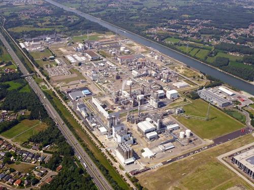 INEOS neemt BP AROMATICS & ACETYLS wereldwijd over