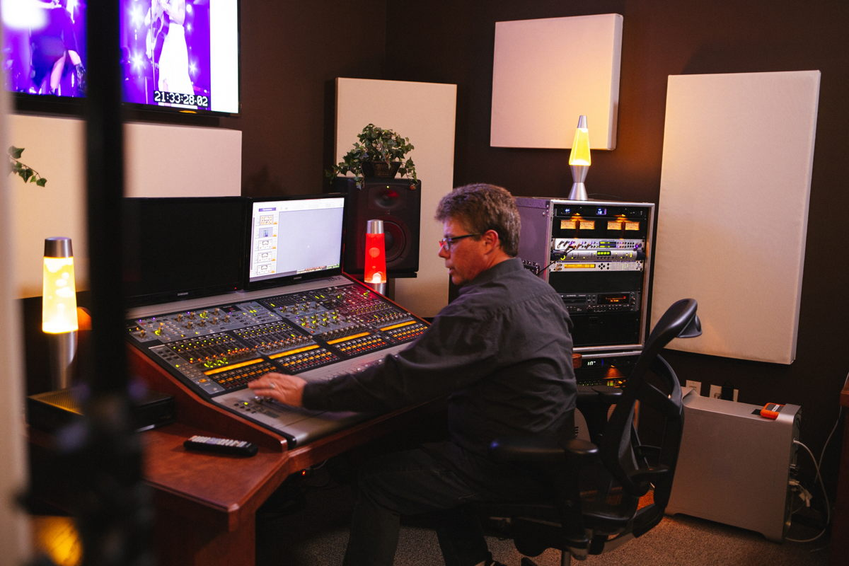 Broadcast Music Mixer Randy Faustino working on the final mix for the Season 16 finale of American Idol. Randy has worked with the likes of Kelly Clarkson, Elton John, the Bee Gees and many more