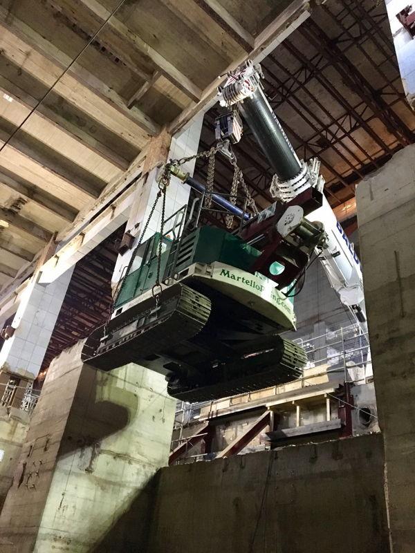 Battersea project (VK): 26 geboorde palen in bestaande steenkoolcentrale, Ø 750 & 1050 mm, 38 m lang