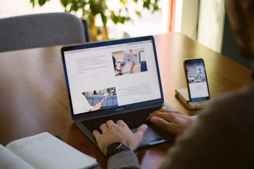 HubSpot anuncia el lanzamiento de CMS Hub Starter para ayudar a las empresas en crecimiento a construir sitios web potenciados por CRM