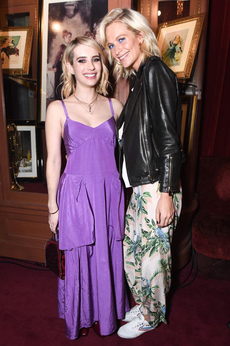 Emma Roberts y Poppy Delevingne