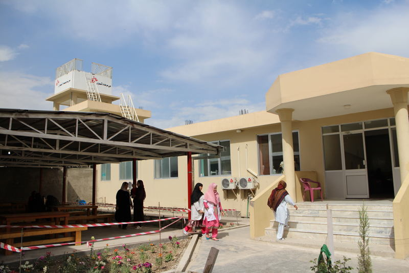 In Khost, Afghanistan, MSF has opened a maternity ward equipped with an operating theatre and neonatal unit. © Vivian Lee/MSF