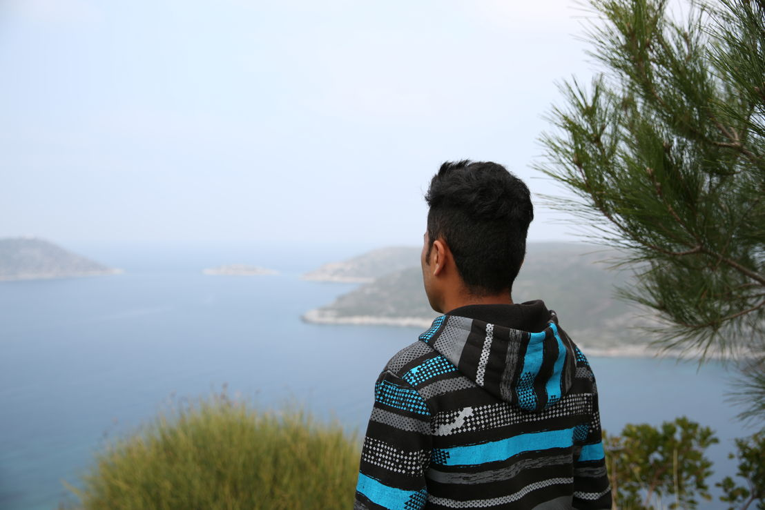 Since March 20, 2016, when the EU externalized its borders by striking a deal with Turkey, people fleeing war and persecution have faced extremely tough conditions on the Greek islands. My name is Masuod , and I am 20 years old. I was born in Afghanistan, though my parents took me to Pakistan in 2001. That's where I spent most of my life, with my two brothers and four sisters. But in Pakistan too, we faced lot of problems with the Taliban, because we are Shia. The extremists think that if they kill Shia people, they will go to heaven. Photographer: Mohammad Ghannam