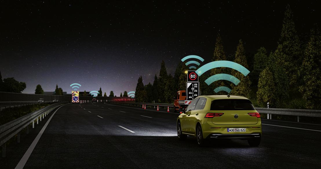 Technische mijlpaal voor de verkeersveiligheid: experts prijzen Car2X-technologie van Volkswagen